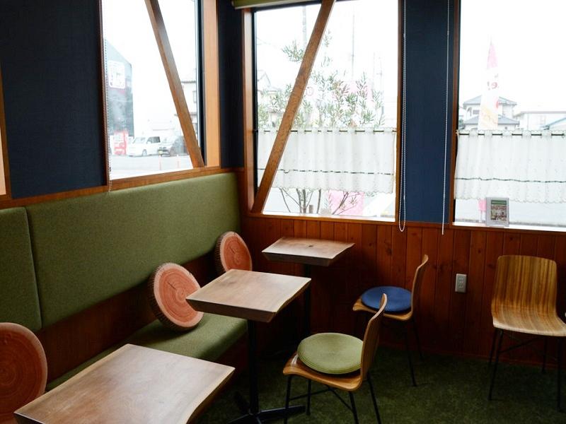 菓匠幹栄 食事スペース