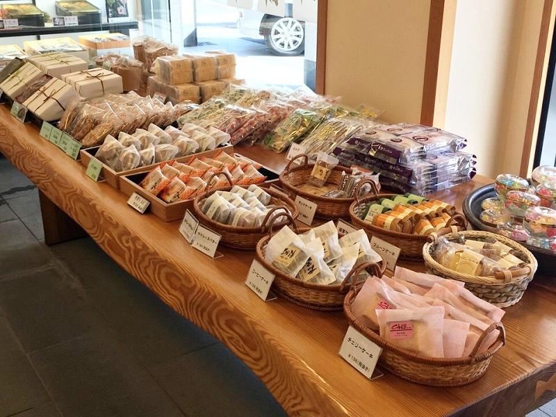 戎屋の洋菓子コーナー