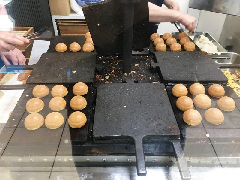 一色堂の鶏卵饅頭を焼く金型